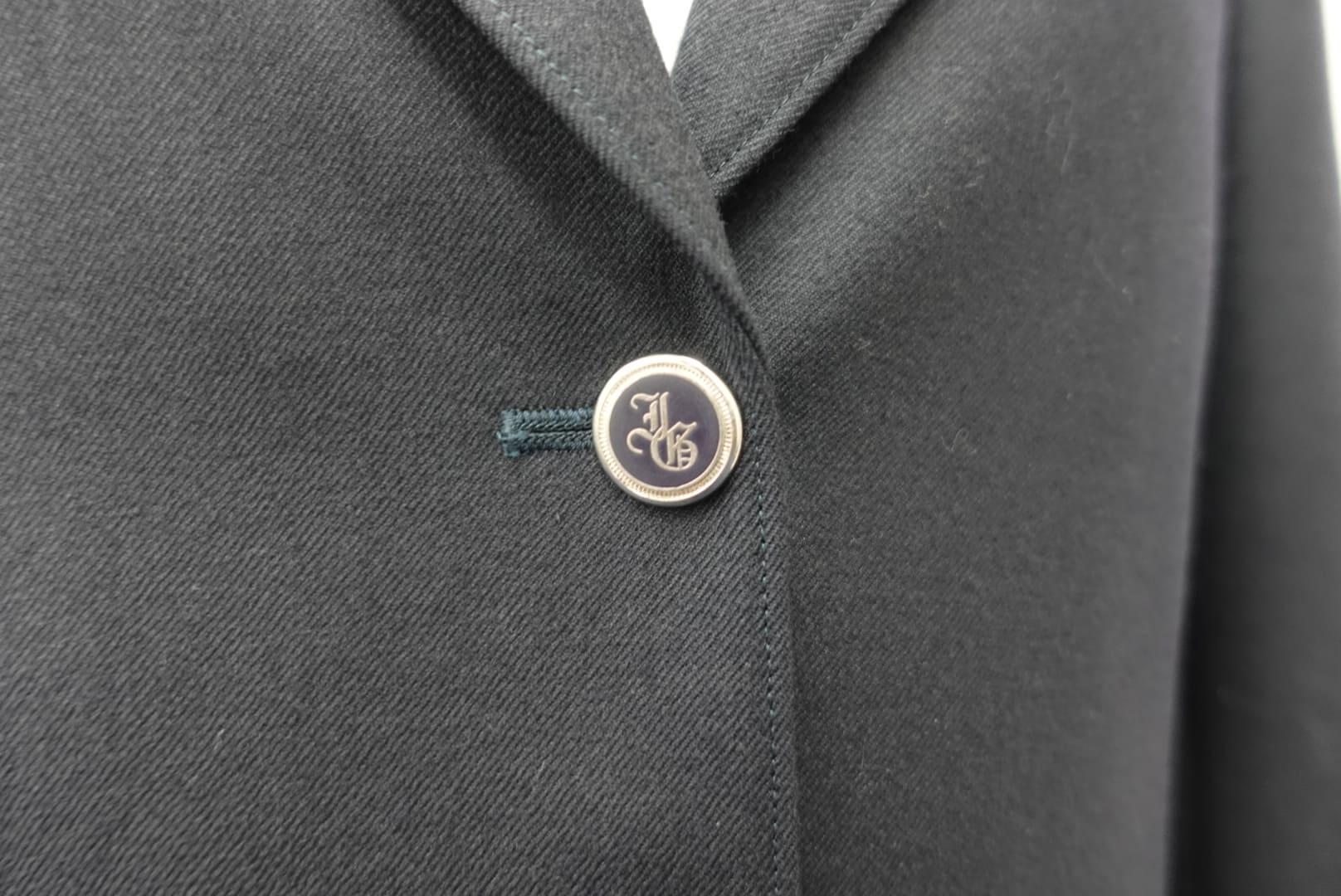 高校女子制服(ボタン)