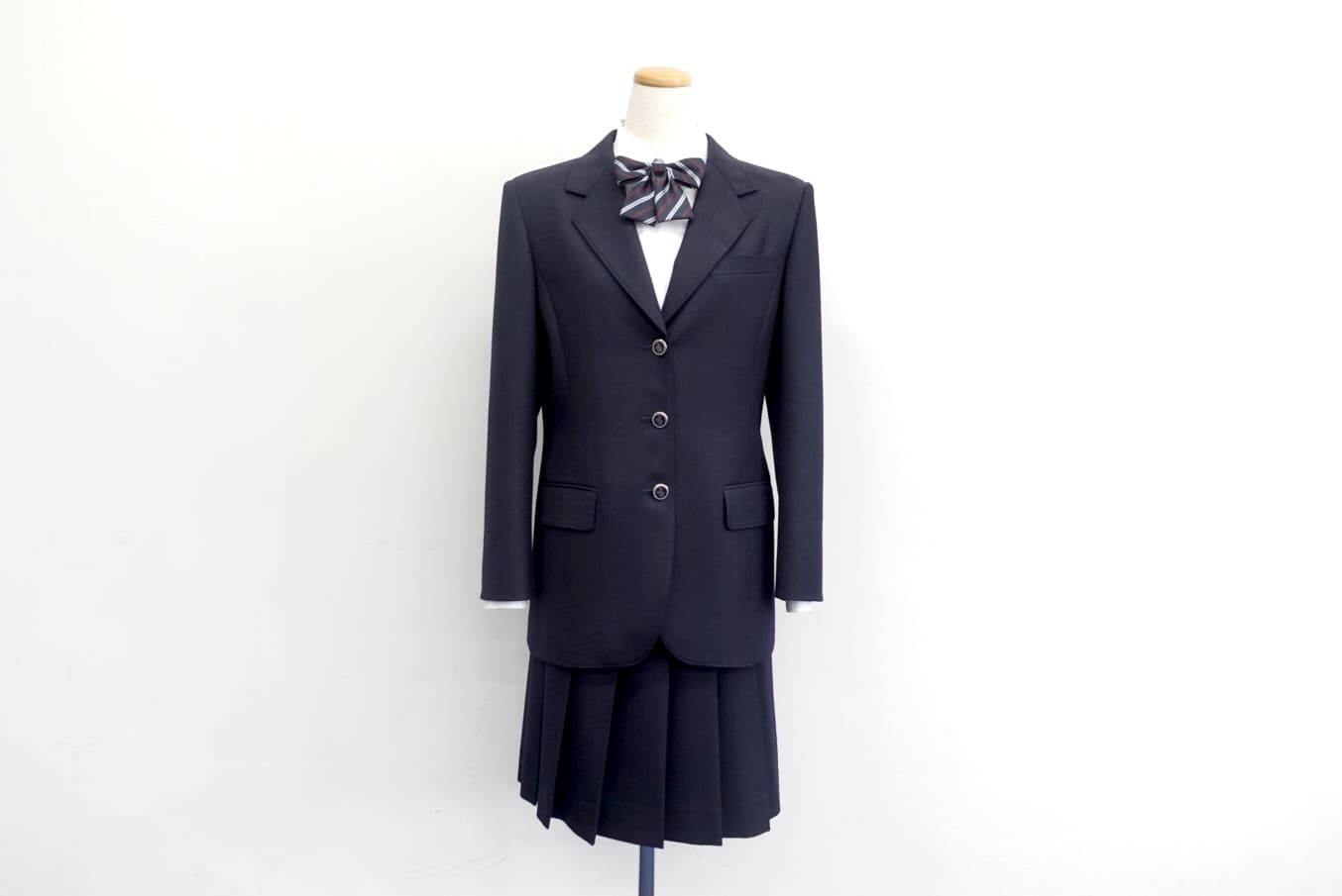 高校女子制服.jpg