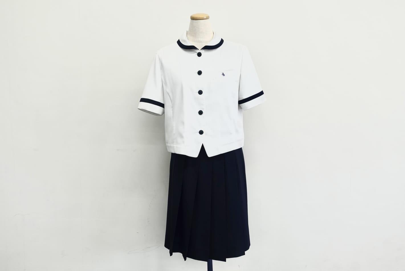 中学女子制服(夏服)