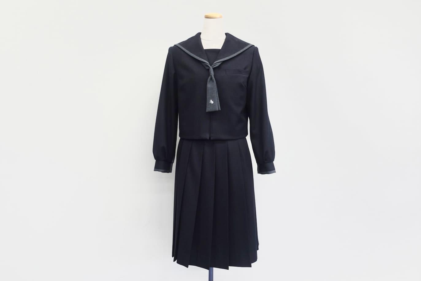 中学女子制服(冬服)